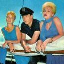 Laurel Goodwin, Elvis Presley, Stella Stevens - 454 x 417