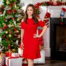 Lacey Chabert as Darcy Fitzwilliam in Pride, Prejudice and Mistletoe - 454 x 303