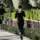 Reese Witherspoon in Leggings – Jogging in Brentwood - 454 x 485