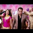Stills of Salman Khan and Preity Zinta in Kudiye di kurthi song from Ishkq in Paris 2012