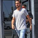 Scott Disick is spotted out running errands in West Hollywood, California on July 1st, 2016 - 359 x 600