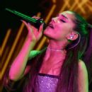 Ariana Grande – Performing at Amazing Prime Unboxing Event in NY - 454 x 717