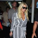 Jessica Simpson is seen as she arrives to Los Angeles Int'l Airport from NYC Friday September 11,2015 - 454 x 587