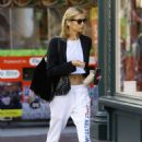 Stella Maxwell – Out in New York