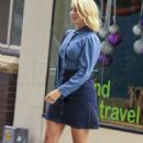 Holly Willoughby in Jeans Skirt – Out in Sydney - 454 x 692
