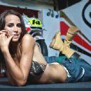 Lauren Vickers - 454 x 340