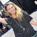 Drew Barrymore Enjoyed a Fun-Filled Day at The Wizarding World of Harry Potter