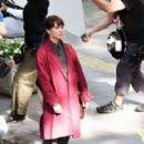 Alicia Vikander – Filming 'The Earthquake Bird' in Tokyo - 454 x 290
