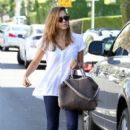 Jessica Alba Stopping By A Hair Salon In West Hollywood