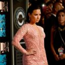 Demi Lovato At The 2015 MTV Video Music Awards - Arrivals - 399 x 600