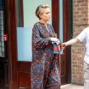 Kate Hudson in Long Dress – Leaves Her Hotel in New York - 454 x 681