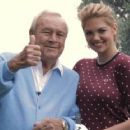 Blonde bombshell Kate Upton fronts the December issue of Golf Digest alongside golfing legend, Arnold Palmer - 454 x 363