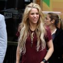 Shakira – Leaving the Lyric Theater in Manhattan 05/16/2017 - 454 x 728