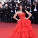 Aishwarya Rai – '120 Beats Per Minute' Photocall at 70th Cannes Film Festival - 454 x 681