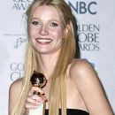 Gwyneth Paltrow At The 56th Annual Golden Globe Awards (1999) - 255 x 385