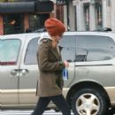 Kate Mara and Jamie Bell grab coffee in New York - 454 x 681