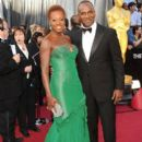 Viola Davis and Julis Tennon At The 84th Annual Academy Awards (2012) - 395 x 594