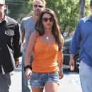 Britney Spears - Shopping At Bed Bath And Beyond In LA - June 28 2009