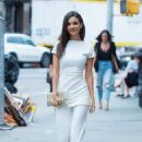 Victoria Justice – Hot in white in NYC - 454 x 681