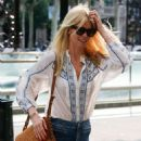 Claudia Schiffer – Spotted Out In Barcelona - 454 x 642