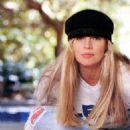 Kim Basinger - 454 x 567