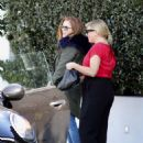 Isla Fisher at Ciccones in Los Angeles - 454 x 594