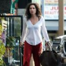 Minnie Driver stops by a nail salon in Los Feliz, California on January 6, 2014 - 428 x 594