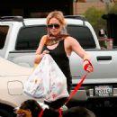 Hilary Duff Runs Some Errands In Beverly Hills, 2009-04-10