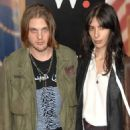 Michael Pitt and Jamie Bochert - 454 x 684