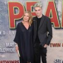 Sheryl Lee – Showtime's 'Twin Peaks' Premiere in Los Angeles - 454 x 636