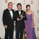 Tommy Lee Jones, The Academy winner Zach Staenberg and Ashley Judd At The 72nd Annual Academy Awards(2000)
