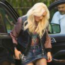 Gwen Stefani – Arrives to Warner Music Group in Burbank