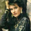 Valerie Dore - 323 x 295
