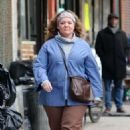 Melissa McCarthy – Filming 'The Kitchen' in NYC - 454 x 698