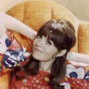 Barbara Feldon - 454 x 568