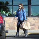 Natalie Portman: makes a grocery run at Gelson's Market in Los Feliz