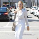 Kelly Rutherford was seen shopping in Beverly Hills. California on March 24, 2017 - 426 x 600