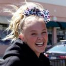 Jojo Siwa – Dancing with her BFF out and about in Los Angeles - 454 x 543