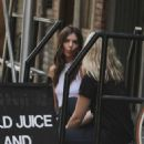 Emily Ratajkowski In Tight Jeans Out In Nyc