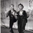 Lucille Ball In The 1960 Broadway Musical WILDCAT With Don Tomkins - 454 x 576