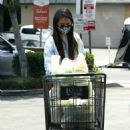 Olivia Munn – Shopping at Gelson's to pick up groceries in Los Feliz