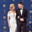 Scarlett Johansson and Colin Jost :  70th Emmy Awards - Arrivals - 400 x 600