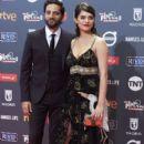Joaquín Furriel and Eva Dominici- Platino Awards 2017- Red Carpet - 399 x 600
