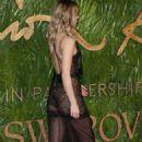 Suki Waterhouse–2017 Fashion Awards in London - 454 x 740