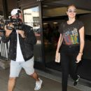 Kate Upton Arrives at LAX Airport in Los Angeles - 454 x 578