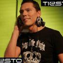 DJ Tiesto - 437 x 328