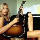 Holly Williams - 365 x 280