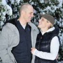 Zara Phillips, Mike Tindall - 424 x 594