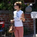 Olivia Wilde out for lunch at the Alcove in Los Feliz, CA (August 15)