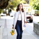 Alison Brie – Shopping at a Market in Los Angeles - 454 x 636